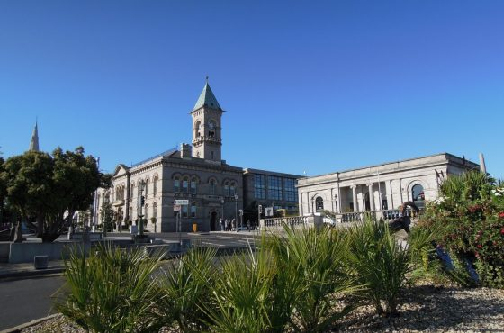 MiD: PROPOSALS FOR THE REGENERATION OF DUN LAOGHAIRE TOWN PART 1.