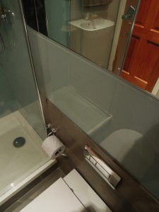 MiD: contemporary Bathroom